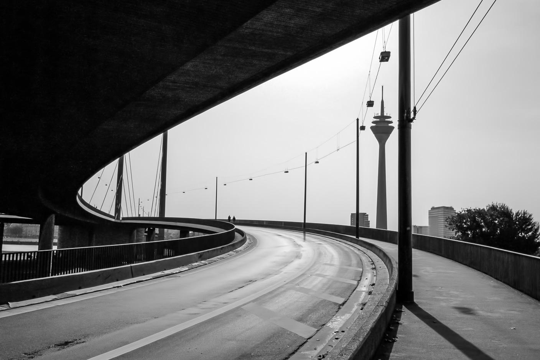 Düsseldorf, Rheinkniebrücke - Structure II